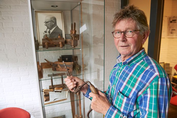 Antoon Ketelaars is 55 jaar in dienst van bouwbedrijf Van Boxmeer te Zijtaart. Fotograaf: Van Assendelft