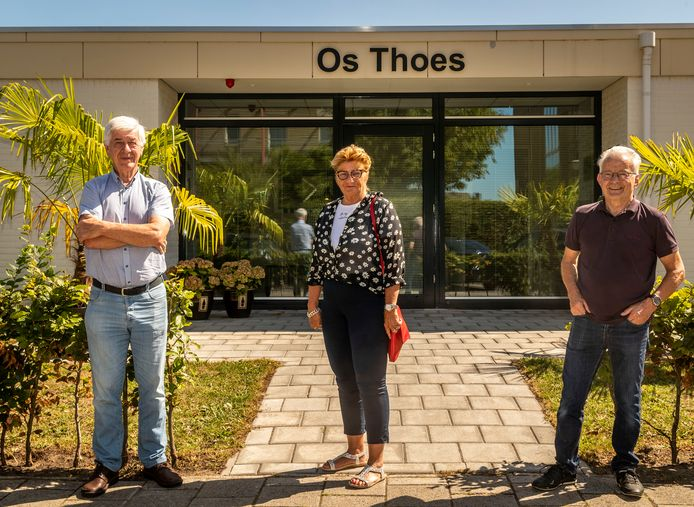Wooncomplex Os Thoes wil uitbreiden. V.l.n.r.: Jac de Werdt, Francien Kuppens en Jac Teeuwen.