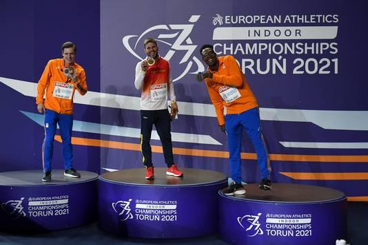 Het podium bij de mannen, vlnr: Tony van Diepen (zilver), Oscar Husillos (goud) en Liemarvin Bonevacia (brons).