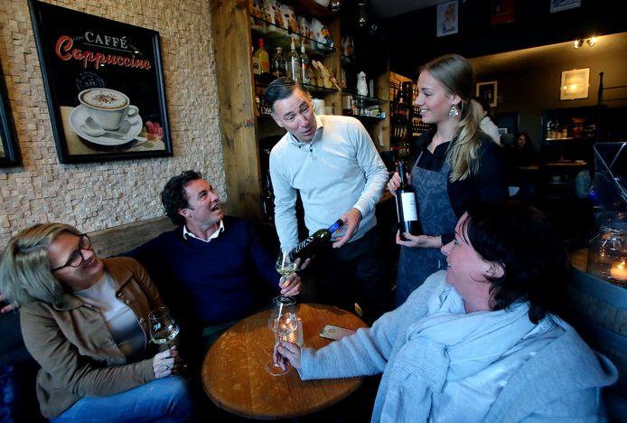 Wijnbar Vino D'Amigo opent binnenkort een tweede zaak aan de Voorstraat.