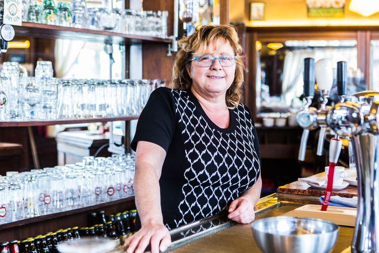 Cafébazin Anita Van Laken: 'Soms komen de dealers hier een cola drinken.' Beeld Thomas Legrève
