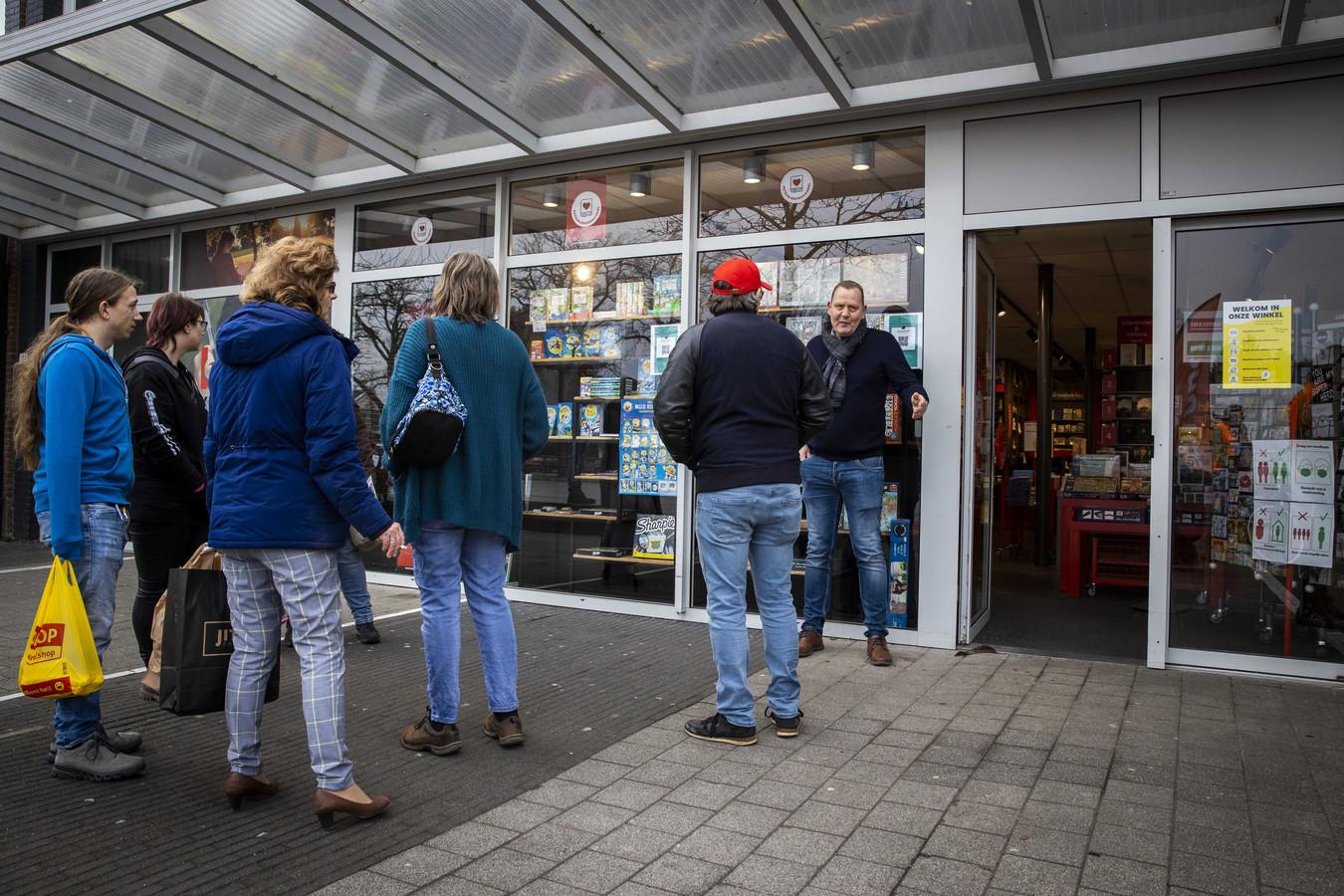 Winkeliers in Klazienaveen hadden de deuren dinsdagochtend enige tijd geopend.