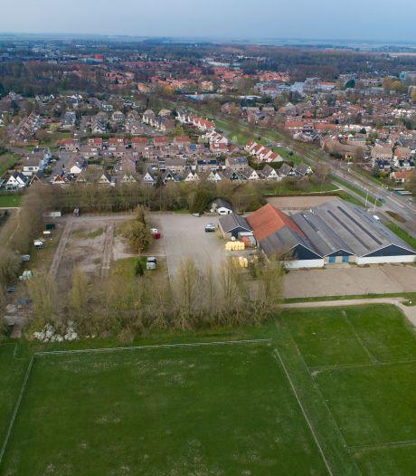 Buren hebben moeite met nieuwbouw op locatie Flevomanege in Dronten: 'Groene long is noodzakelijk'
