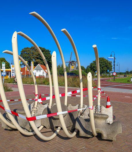 Kunstwerk in Ommen slachtoffer van vandalen: 'Ze hadden het ook nooit zo neer moeten zetten'