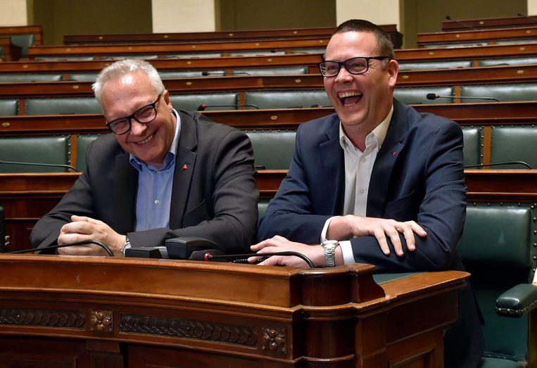 Hedebouw: 'Nu Peter Mertens in het parlement komt, staan we nog sterker. Hij is de trainer, ik de spits. Goals maken: boem, bam, poef! Dat is mijn job.' Beeld Photo News
