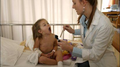 Negen pediatrieafdelingen promoten 'comfort talk' om pijnervaring bij kinderen te verbeteren