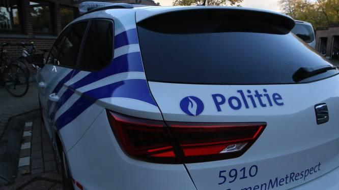 Wagen komt op rotonde terecht, bestuurder (19) onder invloed van drugs