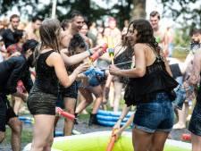 Eerst coronaprik naar keuze, dan bier: universiteit probeert studenten over te halen