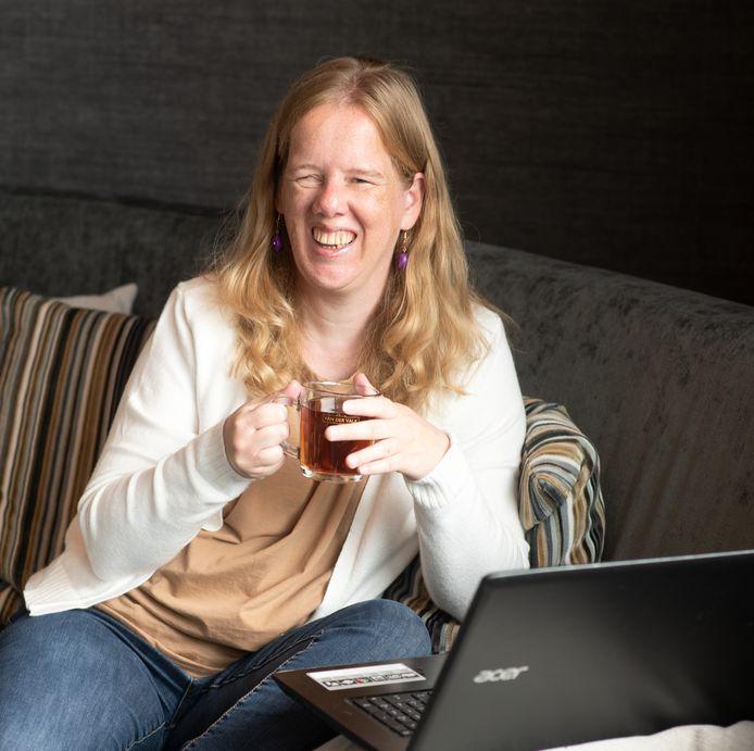 """Het verkopen van online pubquizzen heeft Rimke (40) nieuwsgierig gemaakt naar meer manieren om een passief inkomen op te bouwen. ,,Er kan nog veel meer."""""""