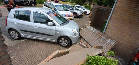 Automobilist rijdt zonder rijbewijs vol tegen een muur in Vught