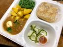 De veganistische variant van roti, met een smakelijk prutje van linzen en aardappelen.