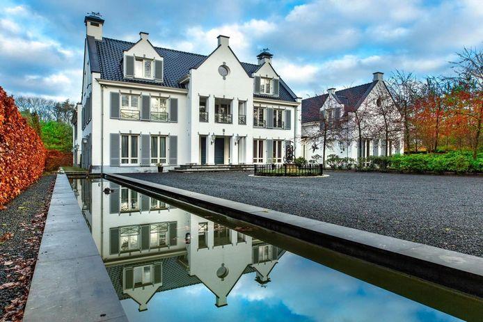 Villa van 4.995.000 euro aan de Heisteeg in Oisterwijk.