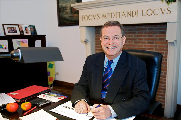 Seksuele misdragingen hebben geleid tot de val van Stefan Huisman, de burgemeester van de Brabantse gemeente Oosterhout.