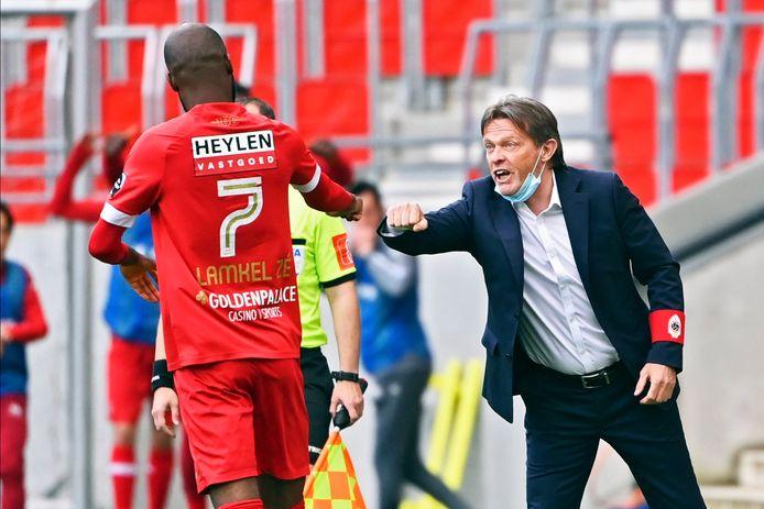 Vercauteren blij met matchwinnaar Didier Lamkel Zé.