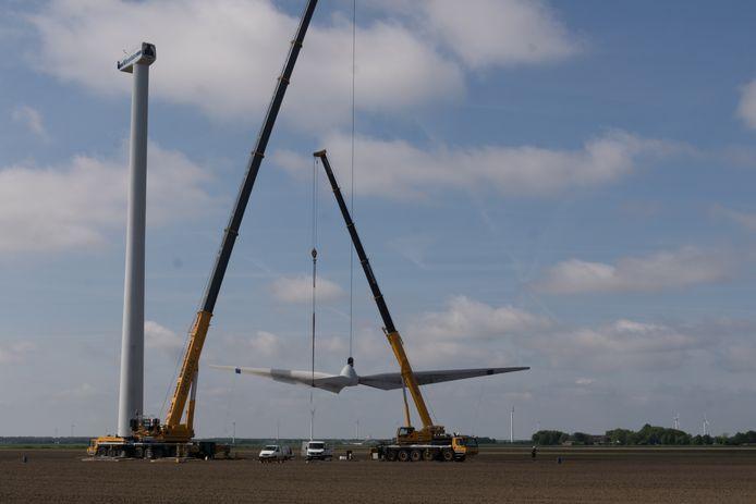 De windmolen aan de Dodaarsweg is de eerste die gesloopt wordt in het project Windpark Zeewolde.