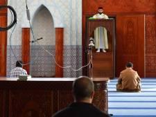 Preken in coronatijd? Zo doet de imam het vrijdaggebed