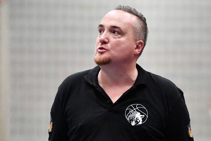 Coach Wim Van Britsom is verheugd met het samenwerkingsakkoord tussen Kontich Wolves en Waasland Education Basketball Academy.