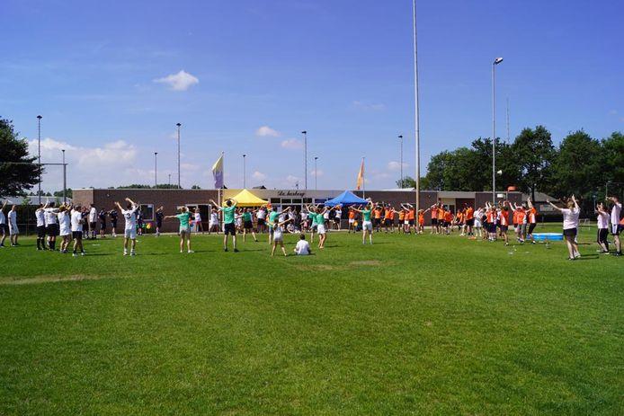 Volop activiteit tijdens een toernooi op sportpark Schaarweide.