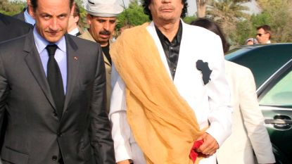 "Sarkozy kreeg ""koffers vol miljoenen"" van Kadhafi"