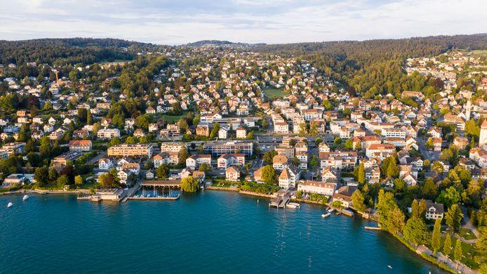 Mocht je je vakantiegeld echt aan vakantie uitgeven: de 'Zwitserse goudkust' is eventueel een mooie bestemming.