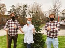 Gentenaars die kerstbomen aan huis leveren schenken versierde kerstbomen aan UZ Gent