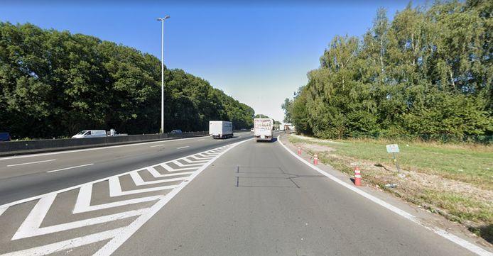 De trucker reed de E40 op vanaf het tankstation van Texaco in Groot-Bijgaarden.