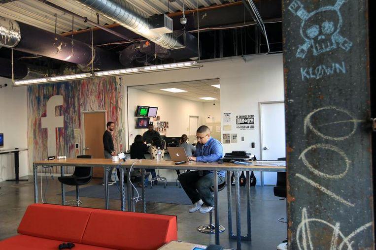 De IT Service desk van Facebook. Beeld reuters