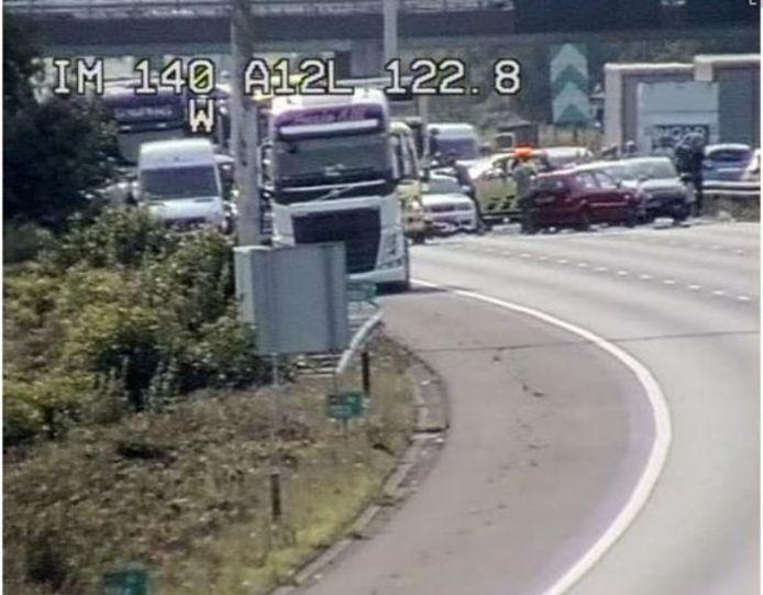 Camerabeeld van het ongeval op de A12 bij knooppunt Grijsoord.