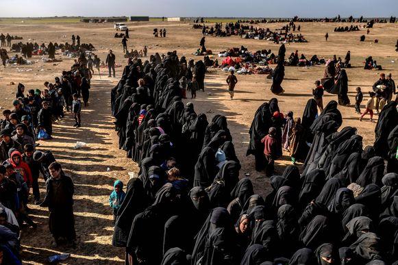 Meer dan 6.000 vrouwen en kinderen werden de voorbije week nog geëvacueerd uit Baghouz.