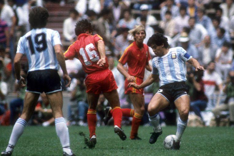 In de halve finales tegen Argentinië gaan de Rode Duivels onderuit. Diego Maradona is de boeman met twee doelpunten.