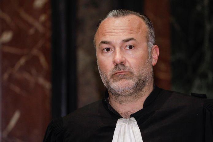 Me Olivier Martins a été inculpé du chef de membre d'une organisation criminelle en mars 2017 et placé sous mandat d'arrêt pendant plusieurs jours. Il est soupçonné d'avoir été impliqué dans la tentative d'évasion de la prison de Saint-Gilles du trafiquant de drogue Mohamed Benabdelhak, survenue le 13 avril 2014.