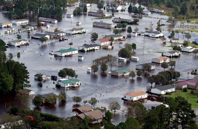 Orkaan Florence kwam op 14 september aan wal in de Amerikaanse staat North Carolina. Tijdens de storm vielen 51 dodelijke slachtoffers. De schade is intussen opgelopen tot meer dan 17 miljard dollar (omgerekend zo'n 15 miljard euro).