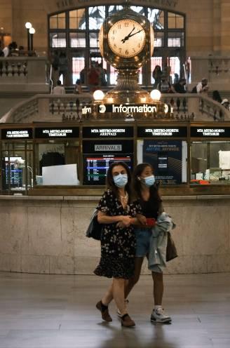 Gevaccineerde Amerikanen dienen in publieke binnenruimtes toch weer mondmasker te dragen
