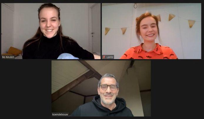 Bo Geudens en Lante Van Hees interviewden Koen De Bouw voor een opdracht