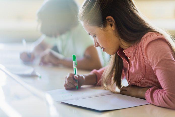 """An Coetsiers: """"Ouders hebben de neiging om over de overstap naar een nieuwe school enorm enthousiast te doen, in de hoop dat dat aanstekelijk werkt. Kinderen hebben daar echter niet altijd behoefte aan."""""""