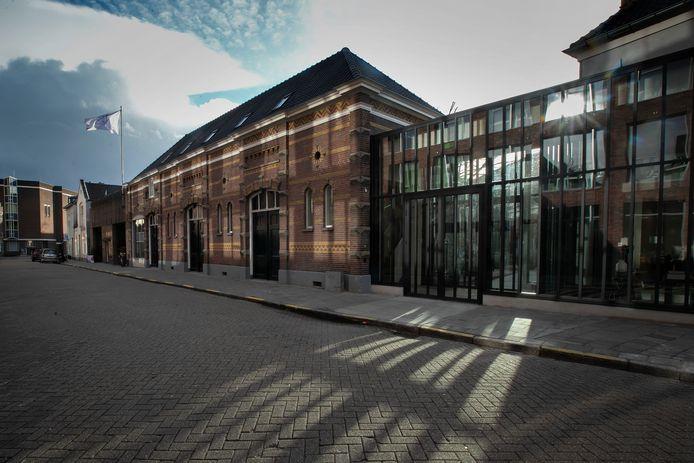 Kazerne, Home of Design op de hoek Paradijslaan-Grote Berg, met de nieuwbouw die de oude delen verbindt.