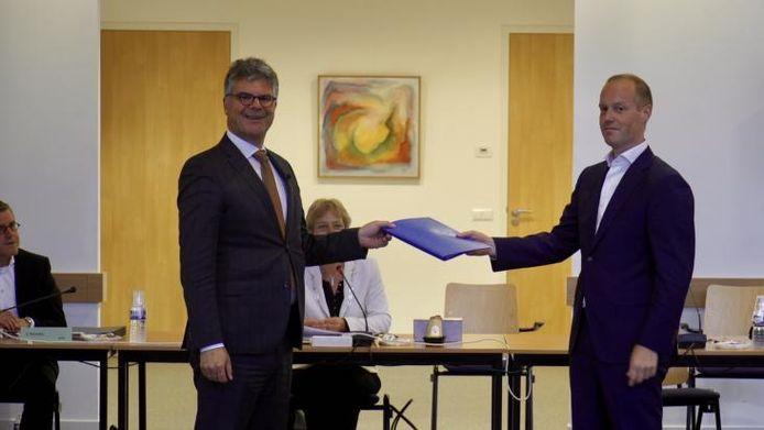 Commissaris van de Koning Hans Oosters stelt samen met de gemeenteraad de profielschets voor een nieuwe burgemeester vast.