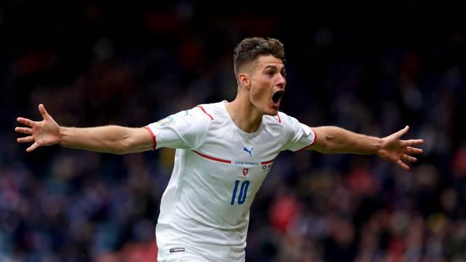 Nu al doelpunt van het toernooi? Uitblinker Schick loodst Tsjechië met wereldgoal voorbij Schotland