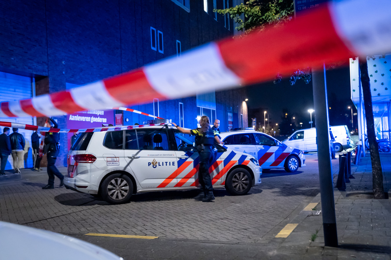 Hulpdiensten rukten massaal uit na een melding van een schietpartij aan de Laantjesweg.