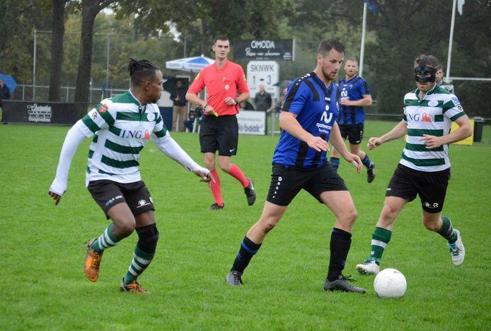 Nieuwerkerk  SKNWK )blauw-zwart) en Zeelandia Middelburg spelen komend seizoen allebei in een andere competitie dan afgelopen seizoen.