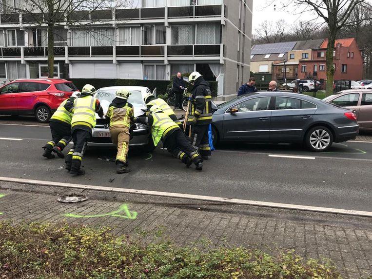 De twee voertuigen liepen redelijk wat schade op.