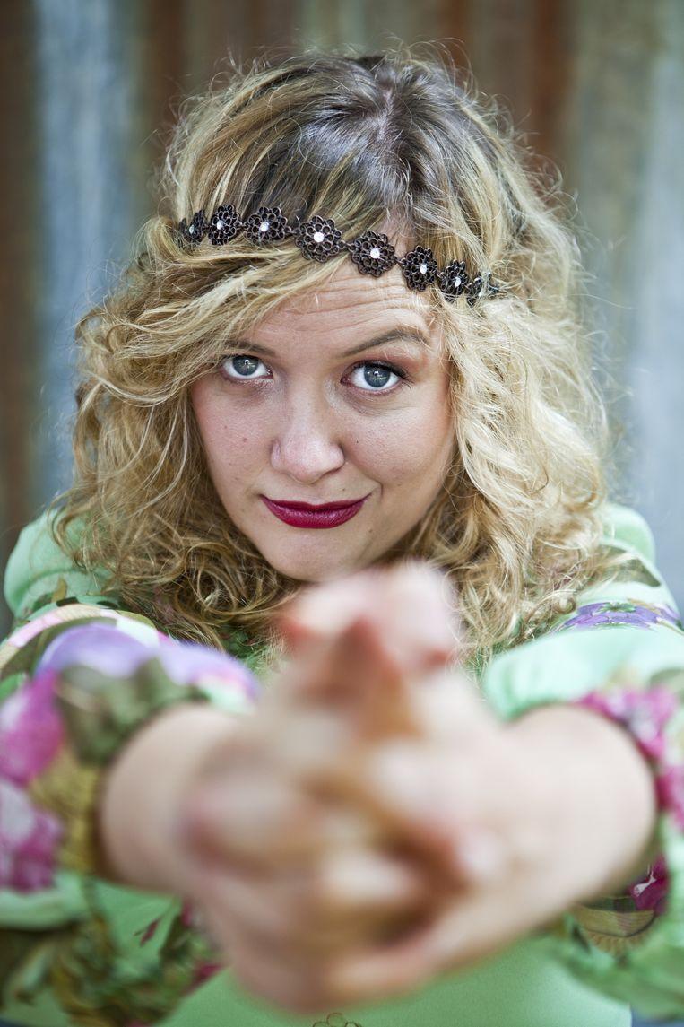 Katrijn Van Bouwel is schrijfster en comédienne. Beeld Tom Verbruggen
