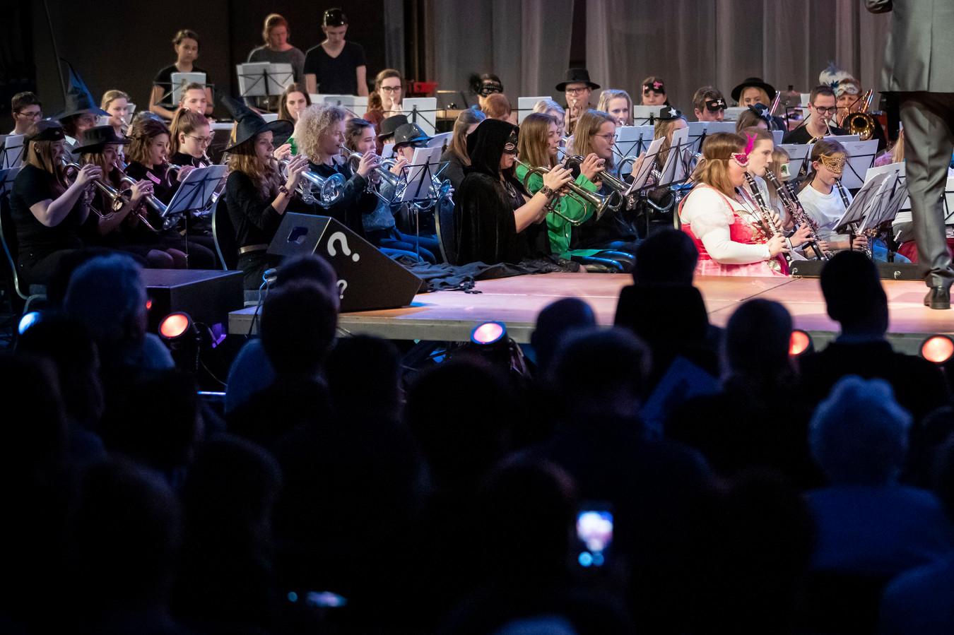 De 36ste Jeugdmuziekdag in Aalst stond in het teken van mysteries, raadsels en illusies.
