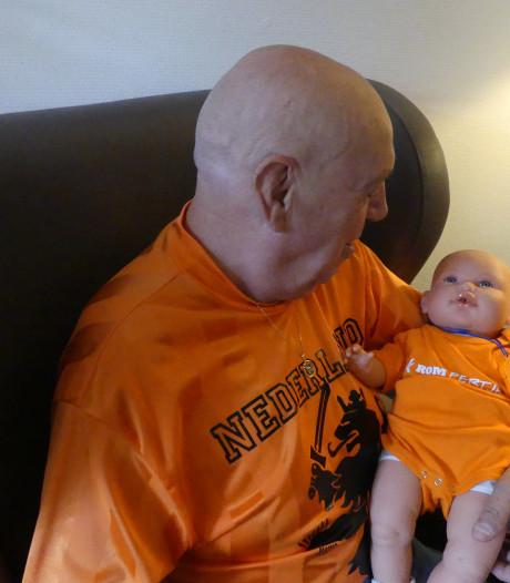 Poppenkinderen voor dementerenden in zorgcentra Veluwe