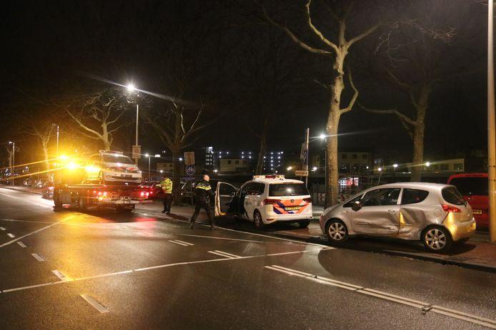 Uiteindelijk kon de bestuurder worden klemgereden op de Troelstrakade in Den Haag.