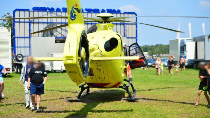Een jongen is woensdagmiddag gewond geraakt bij een ongeluk op een springkussen op vakantiepark Prinsenmeer in Ommel.