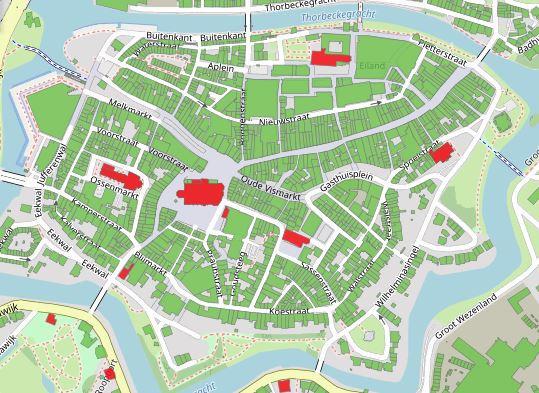 Ook de binnenstad van Zwolle zijn daken asbestverdacht; het gaat in dorpen en steden vaak om kerkgebouwen.