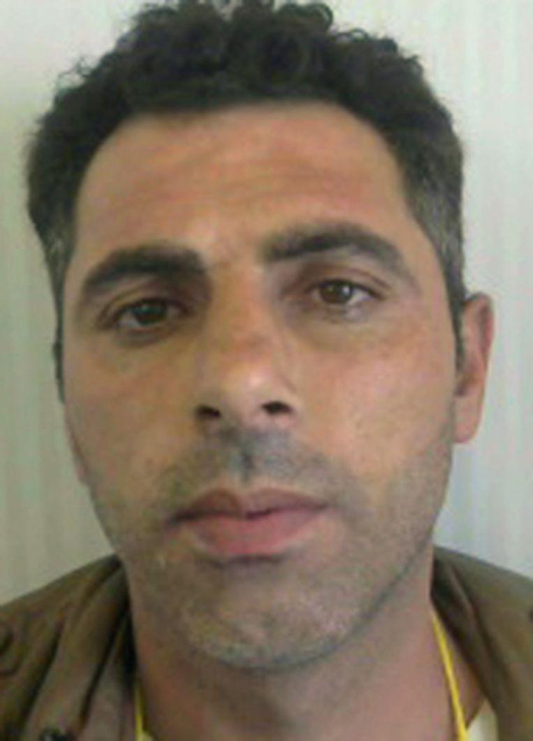 Het kind was in het gezelschap van Khaled Berho. Deze man vertrok zonder hem terug naar Griekenland Beeld Repro