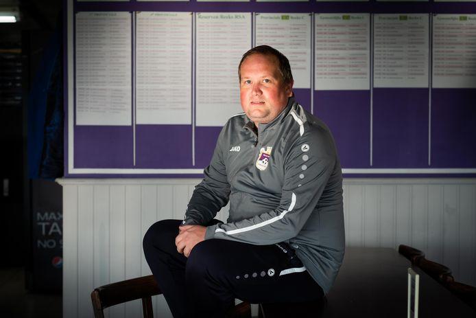 Coach Kevin Celis wil zich met zijn oude liefde VC Houtem-Oplinter handhaven in eerste provinciale.