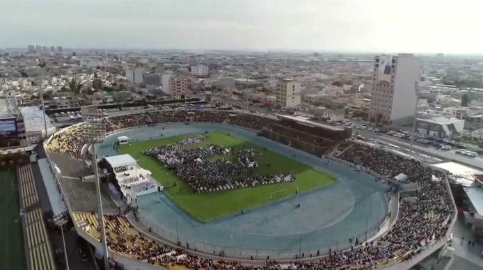 Le stade Hariri d'Erbil aménagé pour la visite du pape.